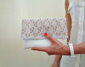 Burlap and lace foldover clutch rustic gift Bridesmaid set of 5 (or more) clutch with lace and faux leather White clutch bag Country wedding