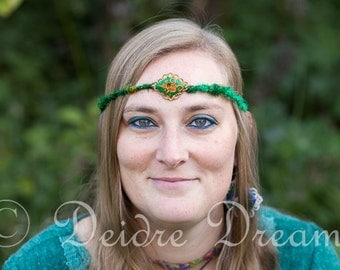 Hippie Feather Headband, Boho Bridal Headpiece, Green Feather Circlet, Head Wreath, Woodland Hair Wreath, Rustic Wedding Hair Accessories