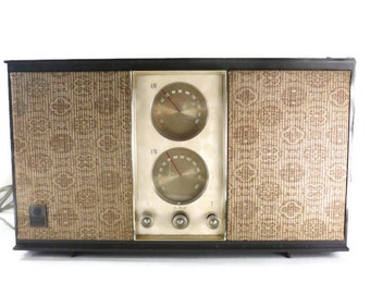 GE T-250A Tube Radio AM FM Works General Electric Vintage