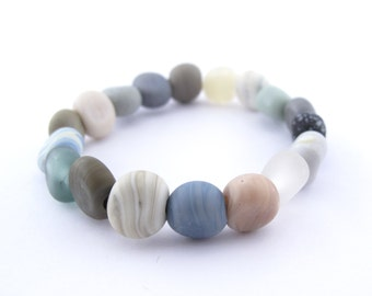Rustic beach bracelet  - handmade glass beads - river rocks jewelry
