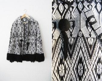 Vintage Gorgeous Black White Geometric Geo Print Aztec Cape Jacket Coat / Tribal /Winter Trend