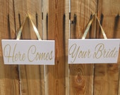 Blush and Gold Here Comes Your Bride Aisle sign Set