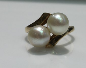 Vintage Pearl Ring in 14K Gold
