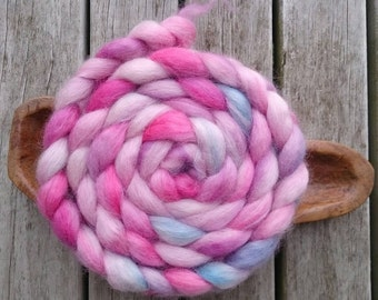 Organic Devon Wensleydale Top 100g Hand Dyed pinks and blues
