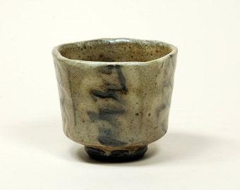 Pentagonal salt glazed black clay yunomi