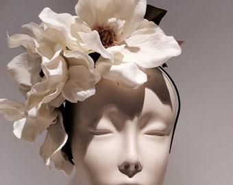 Ivory Fascinator- Magnolia Headband- Magnolia Headpiece- Cocktail Hat- Derby Fascinator- Flower headdress- Bridal Hair - Diner en Blanc- Hat
