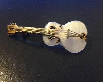 Vintage Guitar brooch