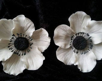 Gum Paste ANEMONES WHITE Flowers / SET of 2 /  Edible  Cake and Cupcake Decorations