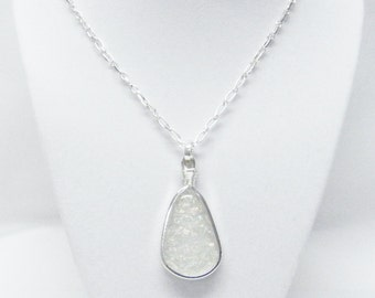 Silver Plated Glass Wrapped Teardrop Pendant Necklace