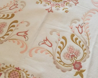 50s Embossed Dutch Tulip Pattern Summer Bedding Blanket