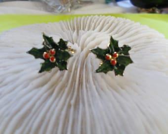 Stunning Vintage Clip Ons-Enamel Christmas Holly Leaves-C2493