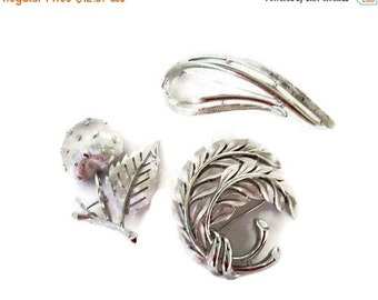 ON SALE Vintage Brooch Collection, Silver Tone Pins, Trifari, Sarah Coventry, Retro Fashion Trends
