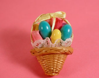 Avon Basket with Easter Eggs Festive Spring pin  - Vintage 1992