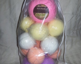 Bath bomb gift set, set of 17 bath bombs gift, wedding,  Christmas,  birthday,  spa relaxation gift, bubbling