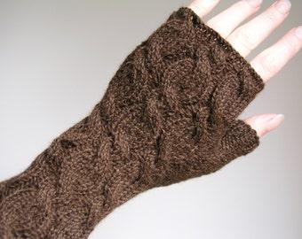 Alpaca wrist warmers brown