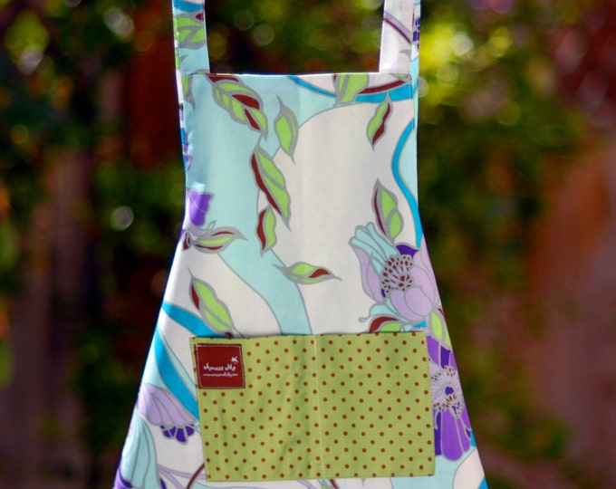 Kids Apron with Pockets- Floral Kids Apron - Organic Cotton Apron - Reversible Kids Apron - Childrens Apron- Blue Smock- Kitchen Item