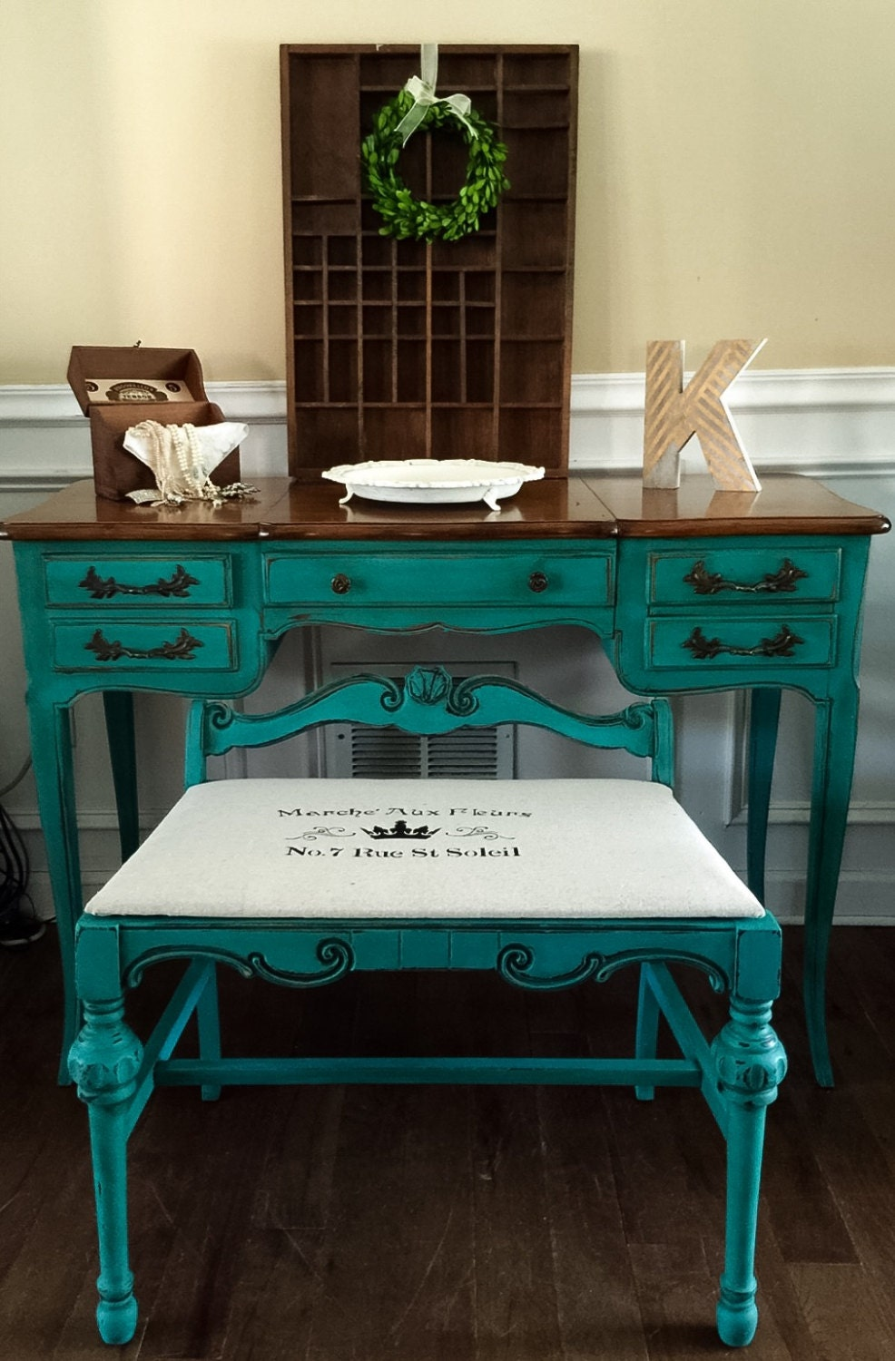 Sold vintage french provincial vanity set hand painted in zoom geotapseo Images