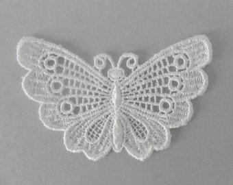 Butterfly in white guipure of 7 x 4 cm