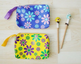 Large Clorful PVC zipper pencil case, cosmetic bag, snack bag, rectangle shaped with strap, waterproof, flowers print, vivid, FLOWER POWER