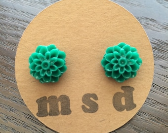 Green Mum Cabochon Stud Earrings