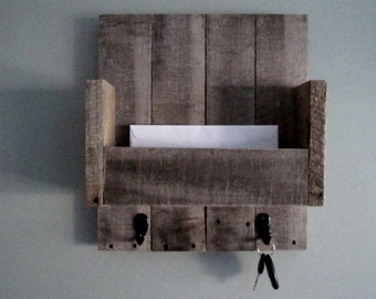 Barnwood Mail Organizer  - With hooks