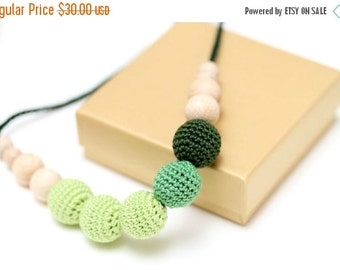 SALE 25% off Gradient green Nursing mom necklace, Breastfeeding necklace, Baby Shower gift, Chewing beads, Teething baby toy