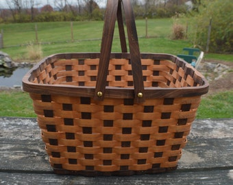 Pie carrier tote Picnic basket handles Walnut wood