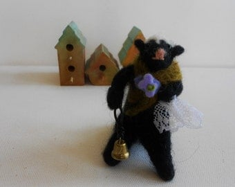 Needlefelted skunk handfelted animal wool fiber sculpture whimsical felt doll