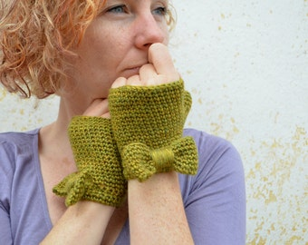 Bow fingerless gloves, crochet mittens, lime green wristwarmers