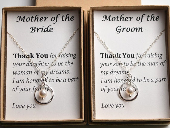 Grooms Gift To Mom: Set Of 2 Mother Of The Bride And Groom Gift Cards