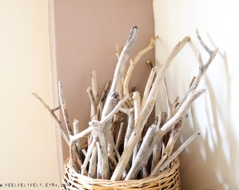 "4 Long Driftwood Branches -- Bulk Driftwood Pieces From 19.7"" to 39.4"" -- Natural Beach Wood Finds -- Drift Wood for DIY Projects and Crafts"