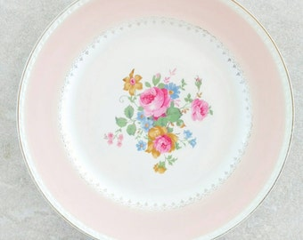 Homer Laughlin Georgian Eggshell Dinner Plate Marilyn Pink10 Inch Diameter Pink Rim Floral Center Pink Peonies Green Leaves Gold Trimmed