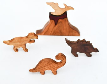Wooden Dinosaurs of Jurassic Period: 5 Waldorf-Inspired Wooden Toys