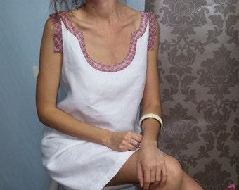 Trapeze dress / Chasuble in white linen / silk neckline. 01216