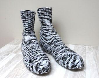 Men Socks hand knitted Leg warmers Stockings size 7.5 UK 8 US 41 Europe white gray black handmade teenager ready to ship boy acrylic unisex