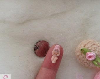 Handmade 1/4 1:48 48th newborn 0.6 inch OOAK full sculpt clay baby knitted cupcake crib Miniature dollshouse collectable micro