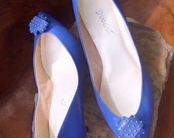 Nine West 1980's Cobalt Blue  Leather Pumps, Size 8M, Silver stud accents, Made in Brazil