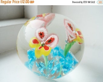 ON SALE Vintage paper weight