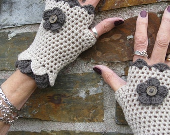 Fingerless gloves. Crochet gloves. Wristwarmers. Eyecatching and pretty. Crocheted by me. Own design. Lovely gift.