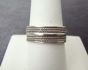 Sterling Silver Band Ring Sz.9 1/2 R121