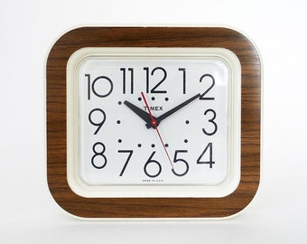 Vintage Timex Electric Wall Clock / Cream Brown Retro Kitchen Clock