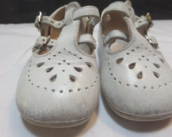 Vintage Baby Shoes - White Leather Mary Janes/T-Strap
