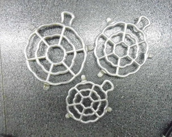Vintage Set of 3 Westmark Rosetta Trivets Made In Germany Fun Aluminum Turtle Shape with Feet Three Sizes for Hot Cookware  or Wall Decor