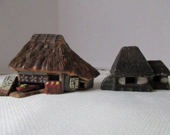 Japanese Chinese Asian Minature Homes Huts Buildings Thatched Roof Set 2