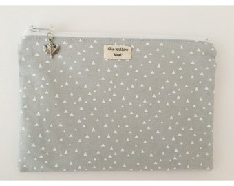 Silver Metallic Triangle Grey Zip Pouch with Maple Leaf Charm