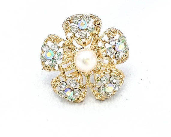 Vintage Gold colored Rhinestone and pearl flower adjustable flower cocktail costume ring