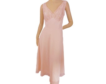 Vanity Fair Vintage 50s Nightgown Pink Nylon Size 36