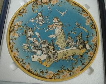 Snow White and the Seven Dwarfs Decorative Plate