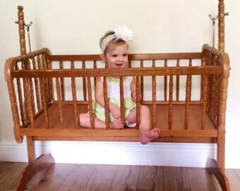Vintage Jenny Lind  baby Cradle, Vintahe Crib, Jenny Lind Crib, Spindle Basinet, Vintage Swinging Basinet, Swinging Cradle
