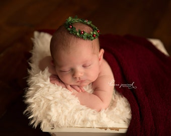 Newborn {Holly} Wreath Crown. Newborn Photography Prop, Christmas Prop